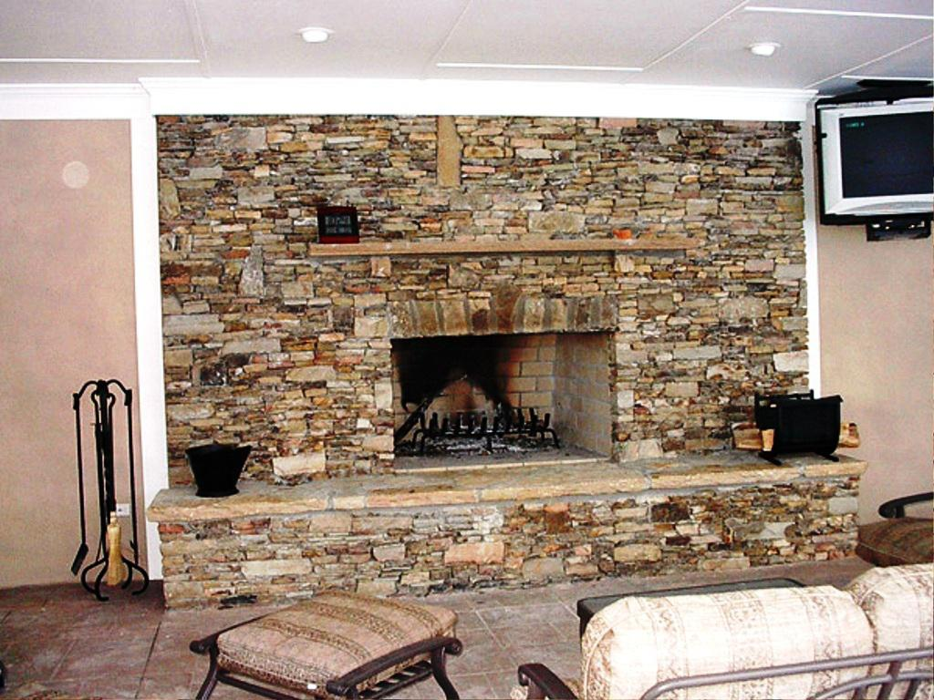 Exceptionnel Image Of: Faux Stone Panels Fireplace