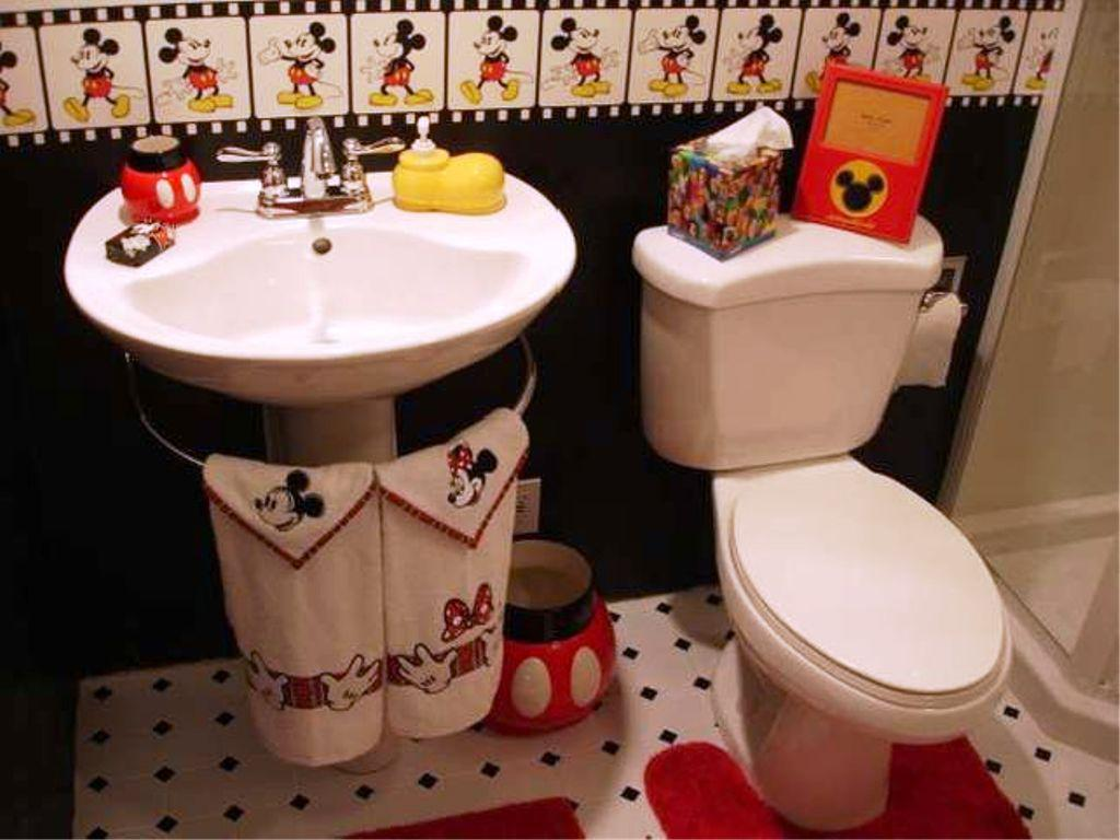 Image Of Mickey Mouse Bathroom Decor