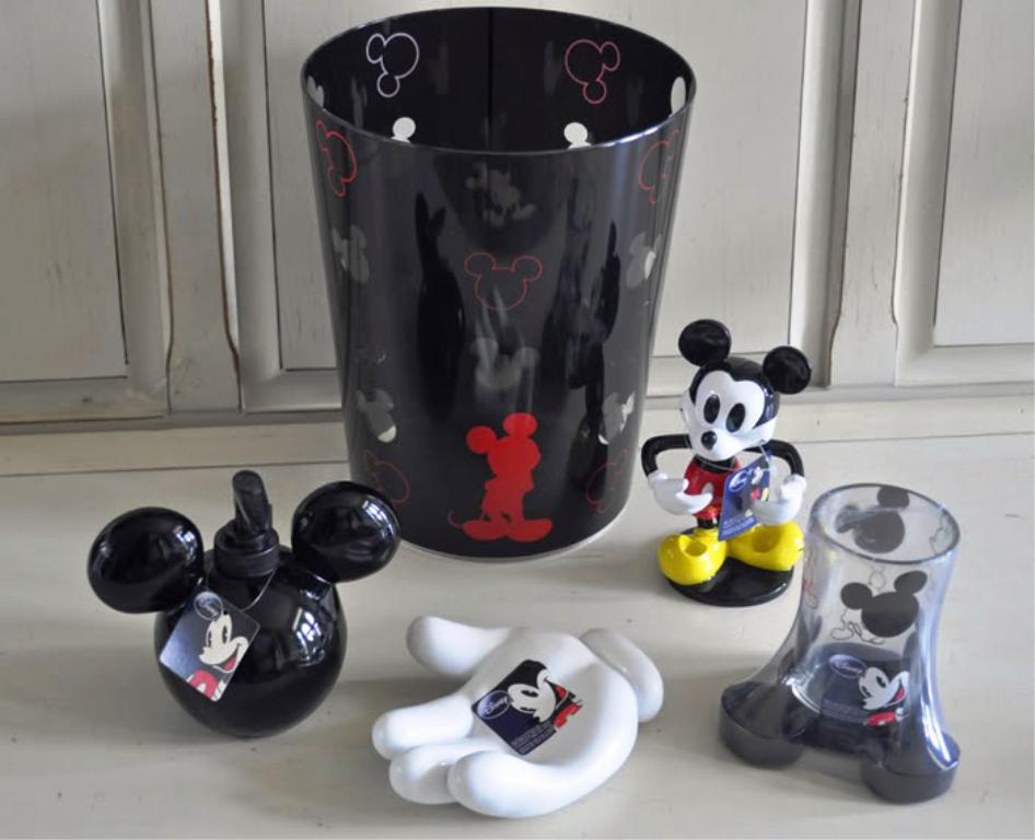 Image Of Mickey Mouse Bathroom Fixtures