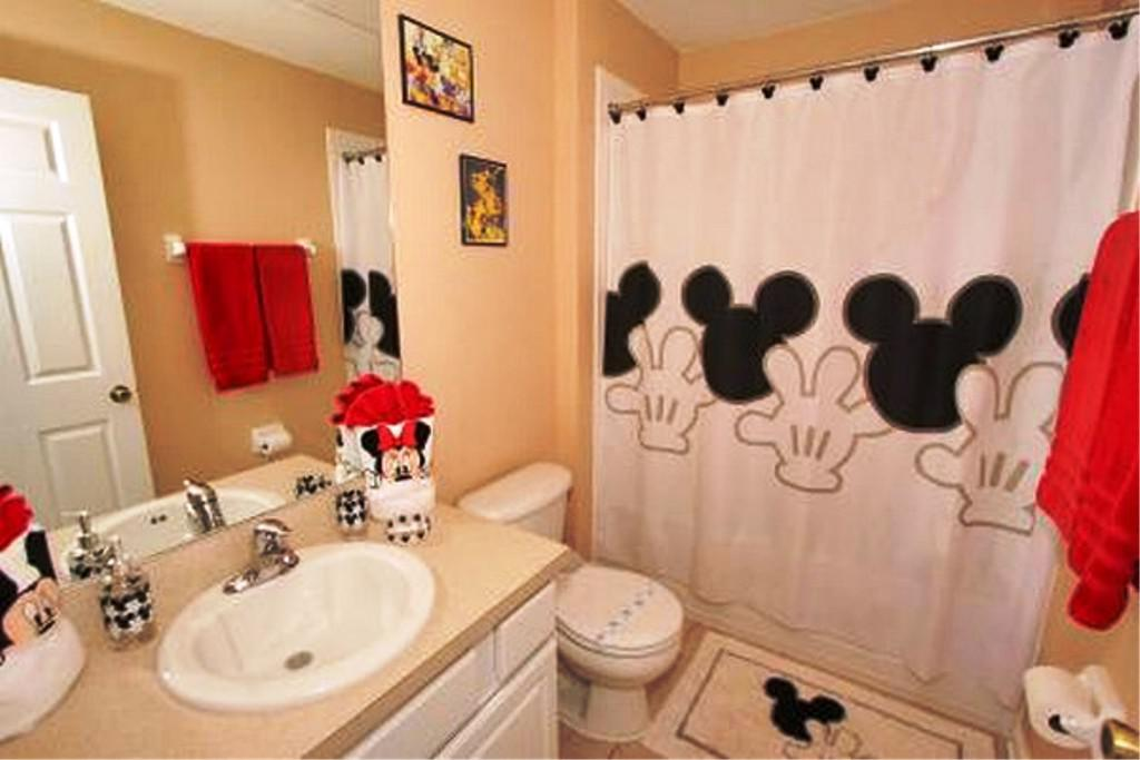Image of: Walmart Mickey Mouse Bathroom